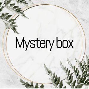 MYSTERY BOX SIZE XSMALL!